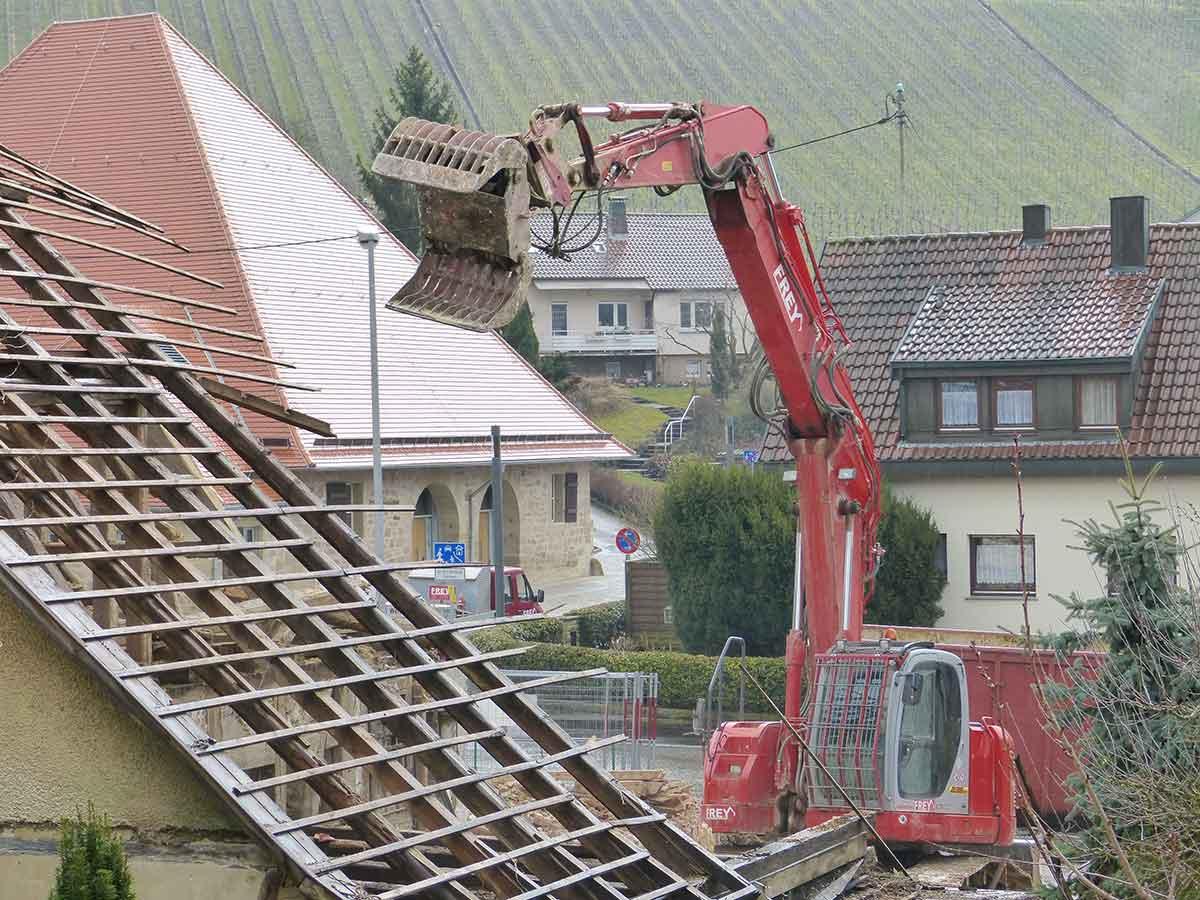 Dachlattung Sachverständiger und Gutachter für Immobilien Bernd A. Binder